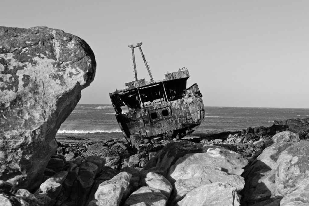 Transforming ordinary photos into black and white images is a good way to create a moody setting.